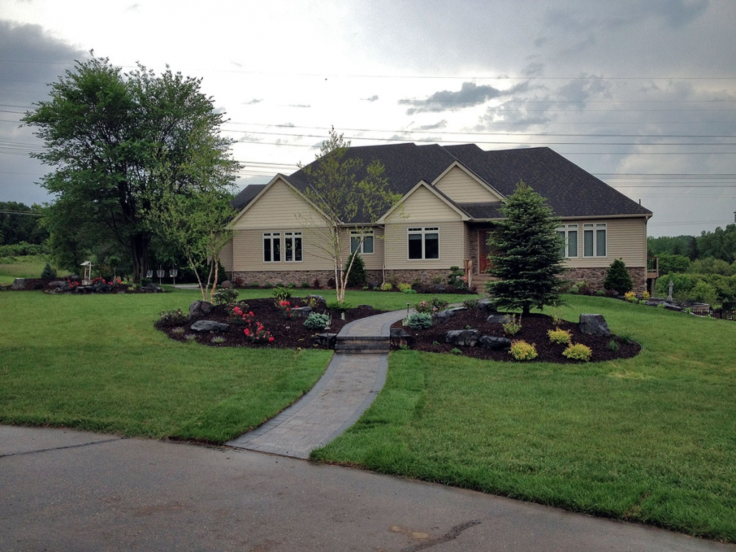 Minnesota Front Yard Landscape Lighting Contractor
